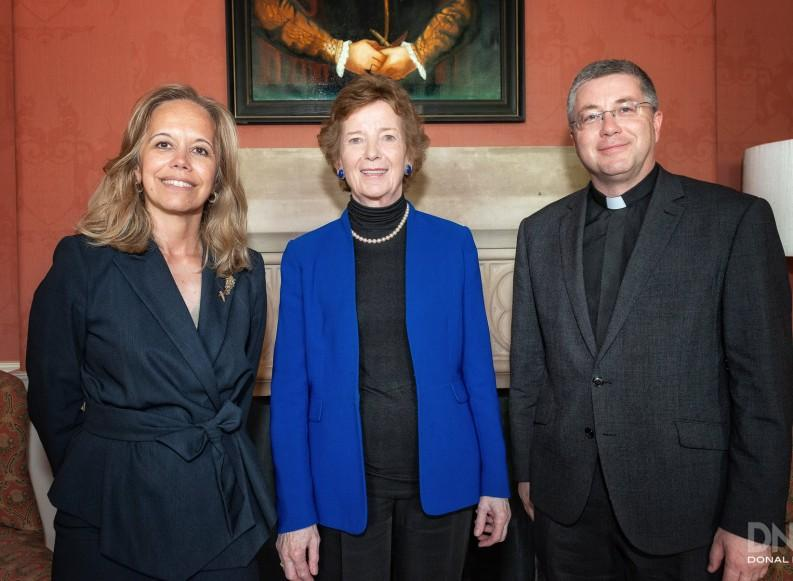 Isabel Gil, President of IFCU, with Her Excellency Mary Robinson, President of the Republic of Ireland, and Fr. Michael Mullaney, President of Saint Patrick's College